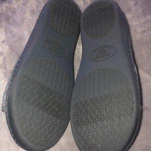 isotoner Shoes - Like new! Isotoner slippers w/memory foam!